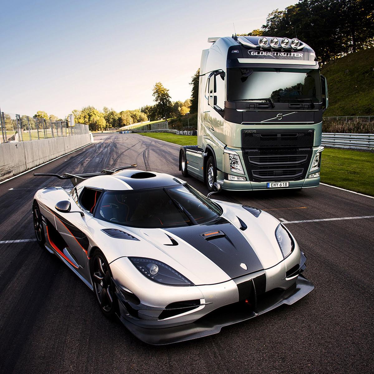 Volvo FH truck neemt het op tegen racewagen