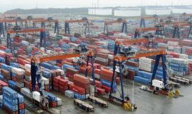 Lichte stijging containeroverslag haven Rotterdam