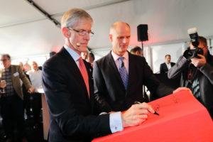 Hercuton viert hoogste punt 'Wkb-dc' met minister Blok
