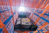 Mattenfabriek vergroot bulkopslag met 28 meter hoog kranenmagazijn
