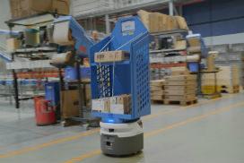 Robots zorgen voor minder zwaar tilwerk magazijnpersoneel Wärtsilä