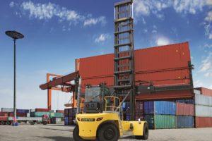 Nieuwe Hyster containerhandler tilt twee containers tegelijk