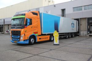 CB gaat rijden met safety truck Volvo